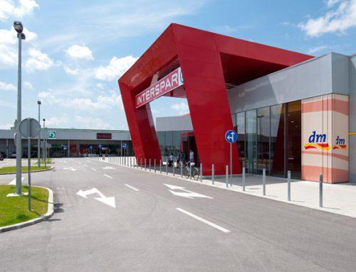 Trgovački centar i autopraonica